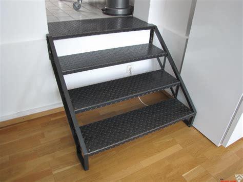 kleine fertighäuser kaufen kleine treppe kaufen kleine treppe aus feuerverzinktem