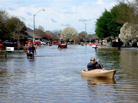 devastating flooding turns louisiana roads into rivers