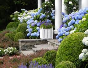 Flower Bed Designs For Front Yard - get the look hamptons style gardenique