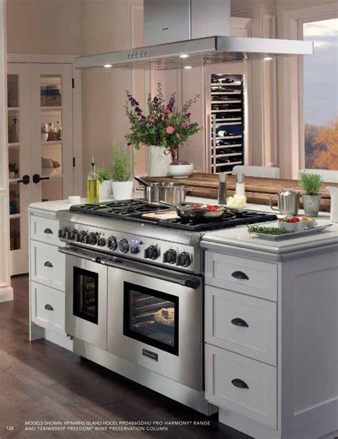 kitchen appliances in spanish 34 best spanish ceramics images on pinterest ceramic art