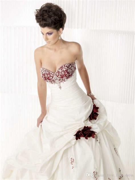 Wedding Gowns With Colored Embroidery by Wedding Dresses With Colored Embroidery Wedding And