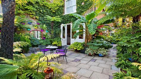 courtyard garden ideas garden small courtyard gardens design corner pergola