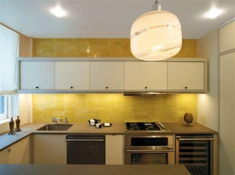 yellow kitchen backsplash ideas encimeras de cocina granito m 225 rmol madera para elegir