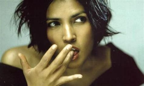tanita tikaram tanita tikaram stop listening into the popvoid