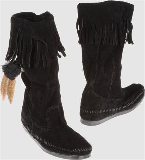minnetonka boots in black lyst