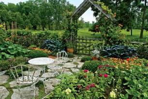 Backyard Vegetable Garden Layout How To Plan Vegetable Garden Layout Front Yard Landscaping Ideas
