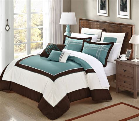 brown and teal bedding bedroom queen size bed with brown blue and yellow bedding