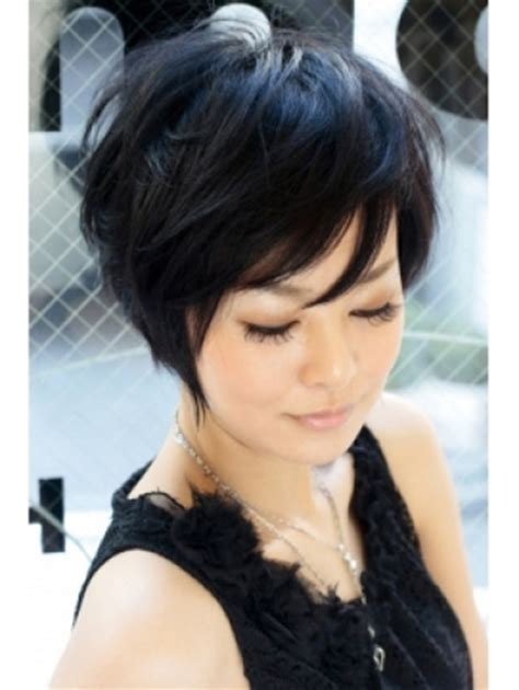 how to pull off a bob hairstyle lovely and alluring graduated bob cut i wish i could pull