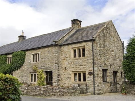 dales cottages 17th century grade ii listed newbiggin cottage to