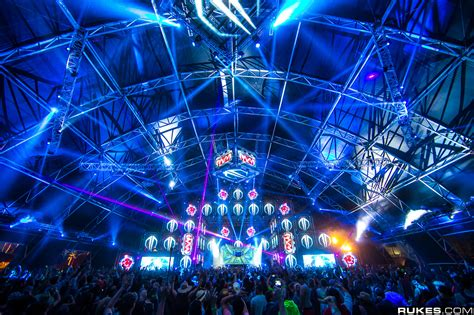 make a blue print eye candy 40 photos of beautiful edm festival stage