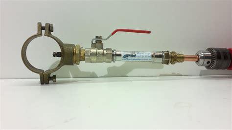 la tubo hacer una toma de agua en tuber 237 a cortar el agua con