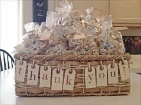 house warming wedding gift idea 25 best ideas about housewarming party favors on