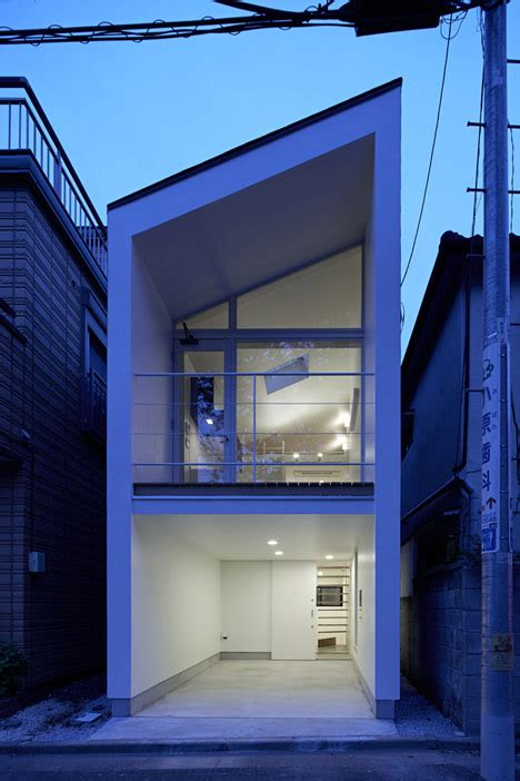 japan skinny house park house by another apartment less than 100 square meters
