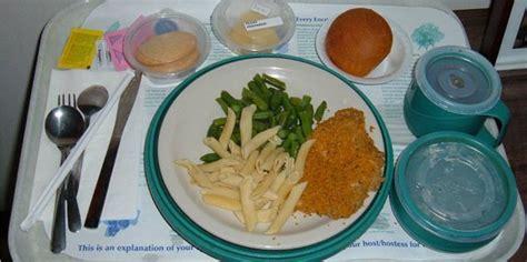 Meja Makan Pasien Rumah Sakit intip menu pasien di rumah sakit seluruh dunia