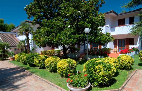 hotel giardino a numana hotel giardino suite wellness numana goodmarche