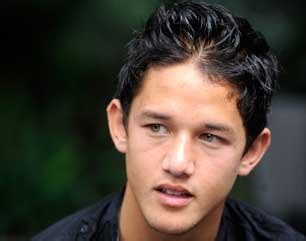 bintang film layar lebar indonesia irfan bachdim main film layar lebar circle 888 hot news