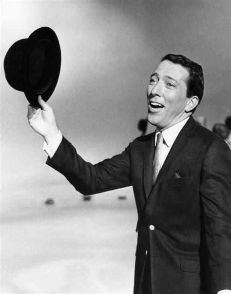 Andy Williams, Crooner of 'Moon River,' Dies at 84