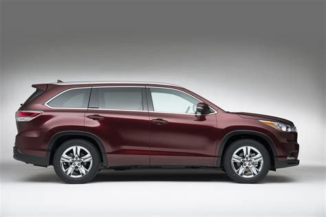 toyota now toyota kluger all suv now seats eight but still