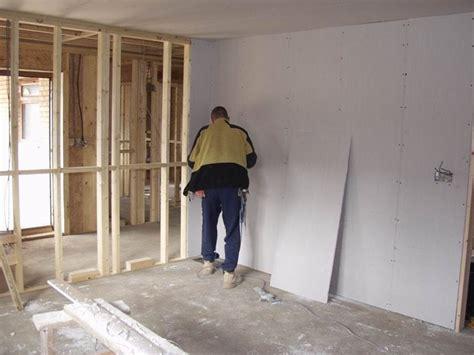 come rivestire una parete interna realizzare pareti in cartongesso le pareti realizzare
