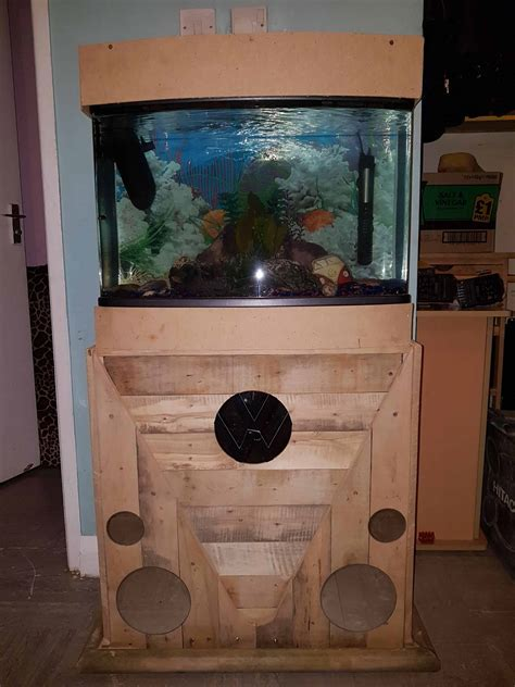 Pallet Fish Tank Stand ? 1001 Pallets
