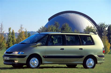 view of renault grand espace 2 0 photos features