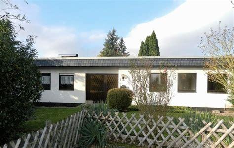 kaufangebot haus gro 223 er atrium bungalow mit viel platz zur modernisierung
