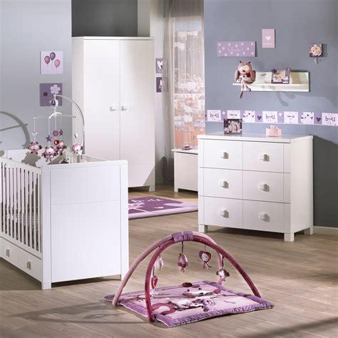 chambre mauve bebe