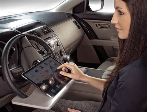 Steering Wheel Laptop Desk Wheelmate Laptop Steering Wheel Desk 187 Gadget Flow