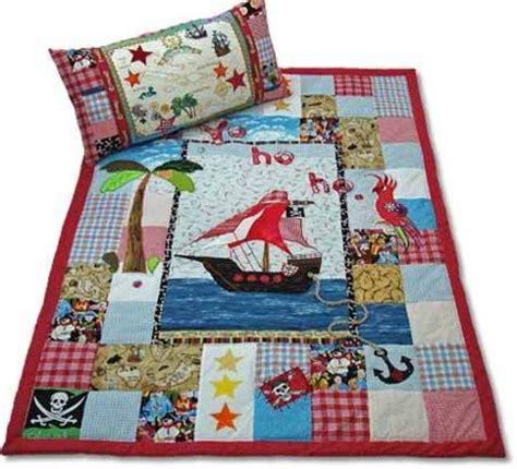 decken quilt patchwork decke quot gro 223 er pirat quot ein