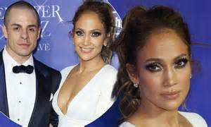 Jlo Puts Scientology Rumors To Rest by Says She S Not Engaged To Casper Smart