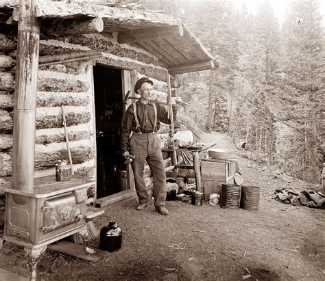 Prospectors Cabin picture of the day november 2011