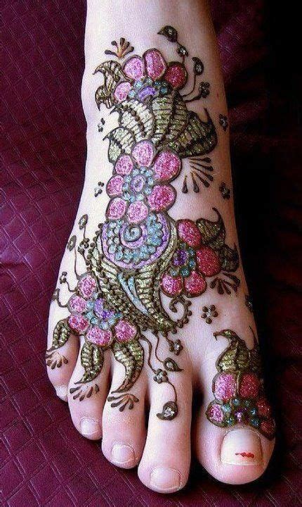 henna tattoos glitter and black tattoos entertainers 1000 images about awesome mehndi designs on