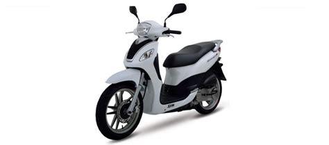noleggio scooter ischia porto scooter 125 cc autonoleggio ischia