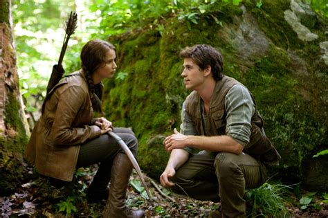 gale hawthorne hunger games katniss everdeen jennifer lawrence and gale hawthorne