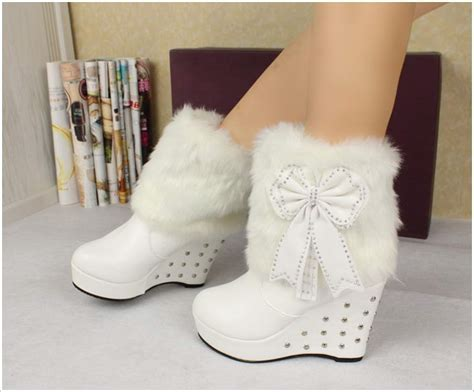Cutie Bootie Shoes White cozy and fur boots for you to wear this winter