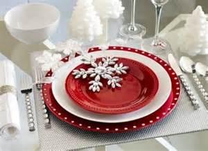 Beautiful christmas wedding table setting ideas weddingomania