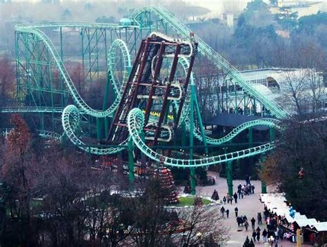 themes parks in italy exotic rides 9 amazing amusement parks around the world