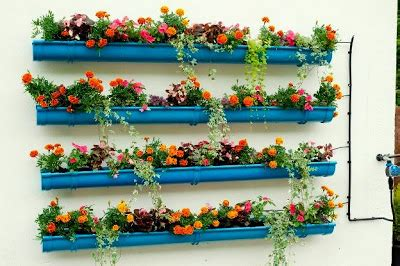 Pot Bunga Susun 4 Vertical Gantung pasu dan bunga bagaikan irama dan lagu relaks minda