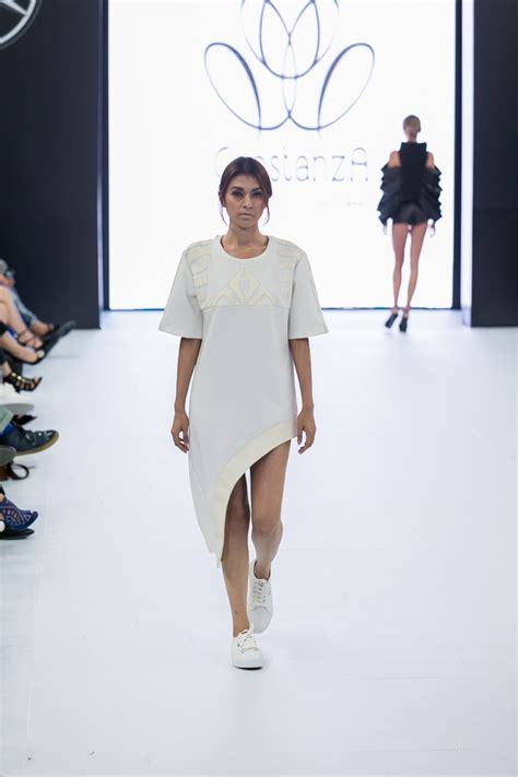 Our Favorite Style Clicks Of The Week The Rack Stylewatch Peoplecom 3 by Mercedes Fashion Week Day 2 Our Favorite Style