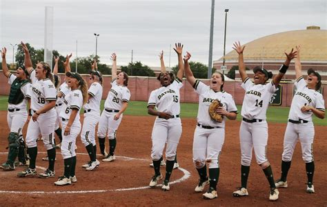 destiny o neal waco weekend lady bears aim for fourth college world series appearance
