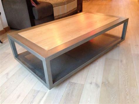 roulettes table basse table basse sur roulettes en acier poli vernis et plateau ch 234 ne massif vernis non visible