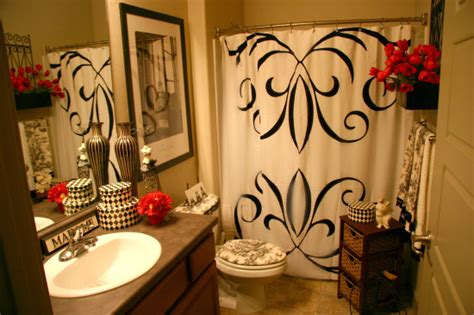 paris bathroom decorating ideas i love this bathroom idea apartment savvy pinterest