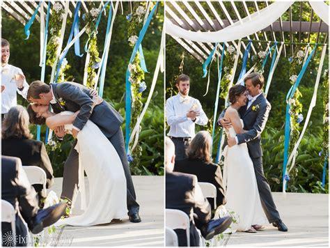 Umlauf Sculpture Garden Wedding by Teresa And Dane S Modern And Outdoorsy Wedding At Umlauf