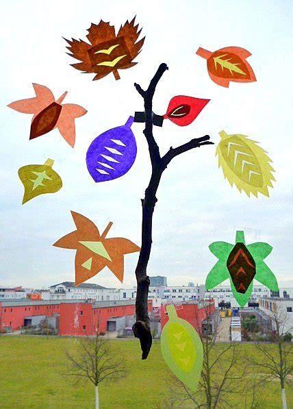 Herbstdeko Fenster Basteln Kindern by Herbstbasteln Mit Kindern Fensterbilder Und Nat 252 Rliche Mobile