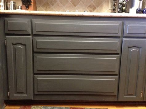 using chalk paint to refinish kitchen cabinets wilker do s wilker do s using chalk paint to refinish kitchen cabinets