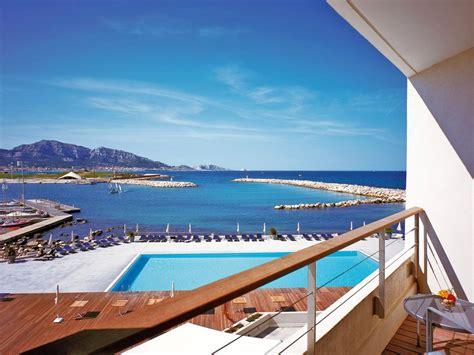 Hotel De Luxe Marseille 792 by H 244 Tel 4 233 Toiles En Bord De Mer 224 Marseille Pullman Palm