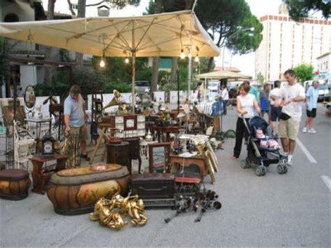 mercatino antiquariato pavia mercatino dell artigianato e collezionismo sagre in
