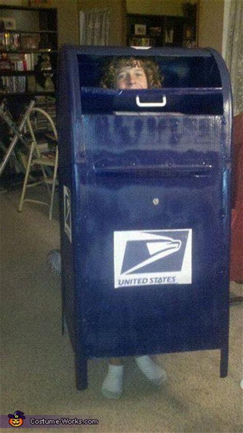 mail box creative costume