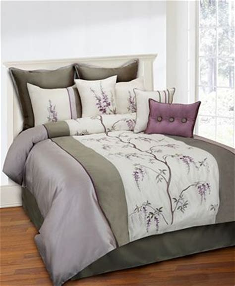 closeout brisbane 8 piece queen comforter set bed in a