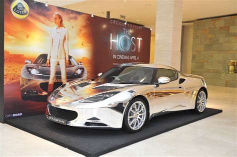 Chrome Lotus Stunning Chrome Evora Led The Largest Lotus Convoy To The